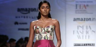 italian-fashion-show-asymetrical-dress-pink-strapless-amazon-fashion-show-2017-spring-summer