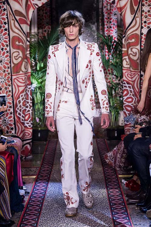 roberto-cavalli-spring-summer-2017-ss17-rtw-dress-11-white-suit-scarf