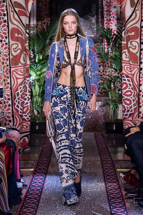 roberto-cavalli-spring-summer-2017-ss17-rtw-dress-15-bralette-printed-jacket-pants-scarf
