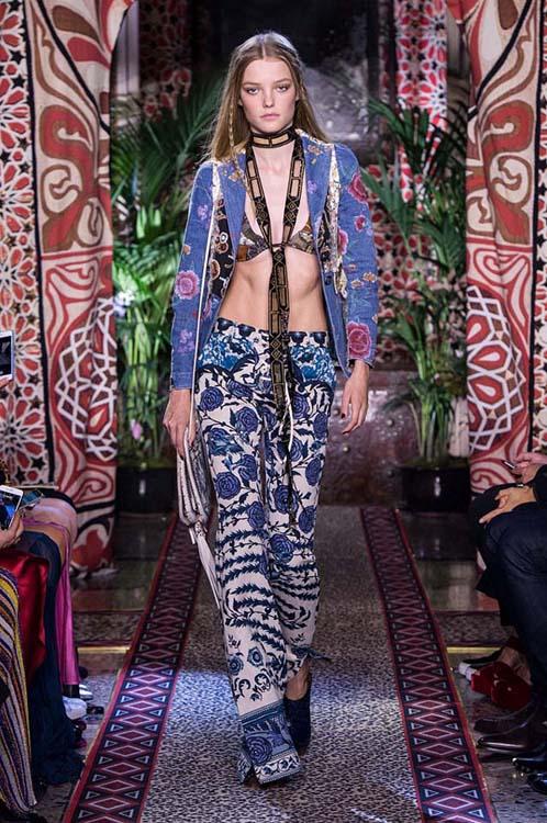 roberto-cavalli-spring-summer-2017-ss17-rtw-dress-15-bralette-printed-jacket-pants-scarf