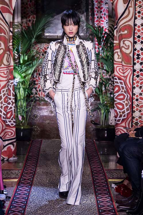 roberto-cavalli-spring-summer-2017-ss17-rtw-dress-25-white-striped-suit-sequin-jacket-choker