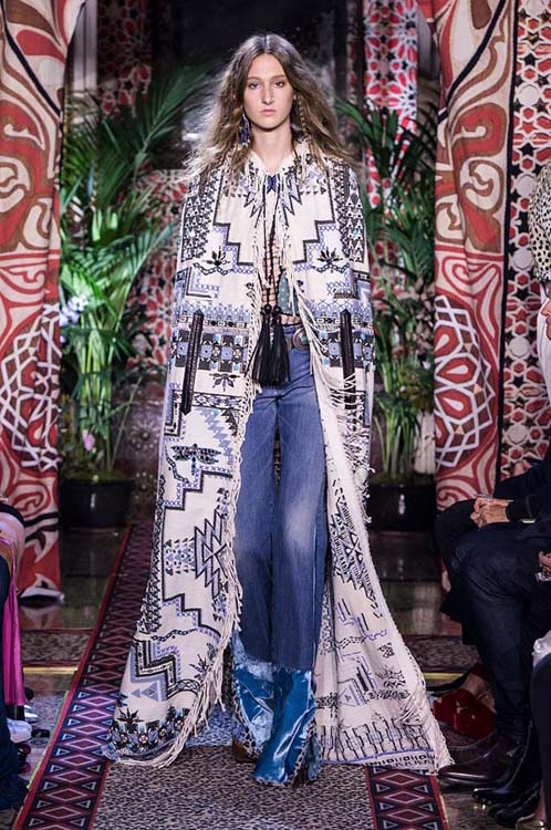 roberto-cavalli-spring-summer-2017-ss17-rtw-dress-26-white-printed-long-coat-blue-denim-pants-long-earrings