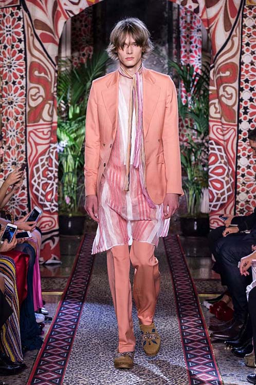 roberto-cavalli-spring-summer-2017-ss17-rtw-dress-33-pastel-sherwani-jacket-scarf