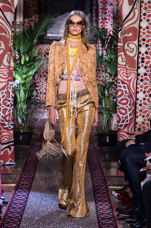 roberto-cavalli-spring-summer-2017-ss17-rtw-dress-41-formals-printed-jacket-shimmery-pants-fringes-bag