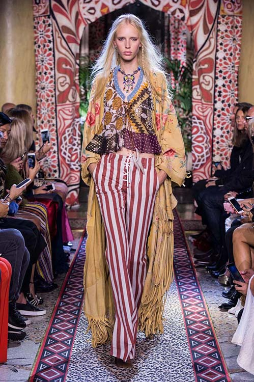 roberto-cavalli-spring-summer-2017-ss17-rtw-dress-8-floral-crop-top-lined-pants-fringes-coat