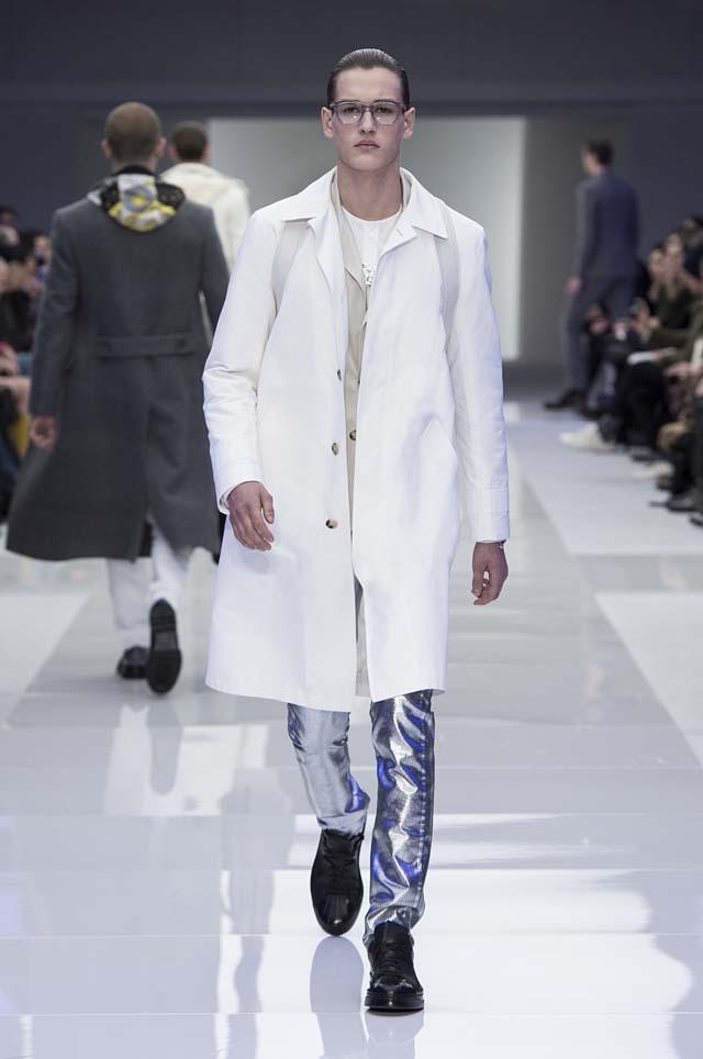 versace-menswear-mens-fall-winter-2016-fw16-10-metallic-silver-pants