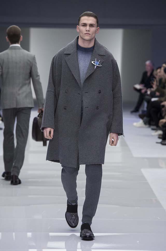 versace-menswear-mens-fall-winter-2016-fw16-7-brooch-jersey-ombre