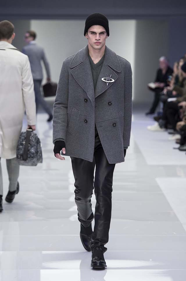 versace-menswear-mens-fall-winter-2016-fw16-8-leather-pants-jacket-brooth-fingerles-gloves