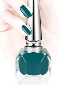 best-nail-polish-colors-fall-winter-2016-2017-christian-louboutin-teal