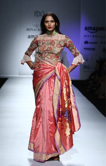 designer-sarees-2017-rina-dhaka-silk-printed-blouse-silk-saree-spring-2017