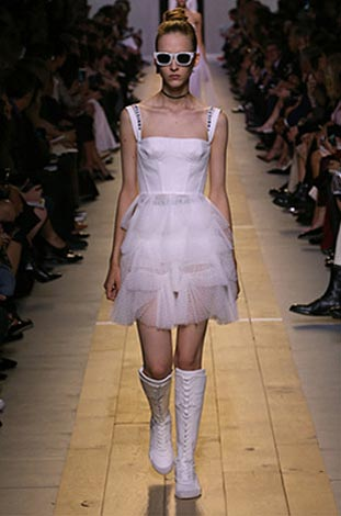dior-ss17-spring-summer-2017-rtw-11-white-dress-frill-tulle-boots
