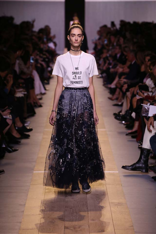 dior-ss17-spring-summer-2017-rtw-18-tshirt-we-should-all-be-feminists
