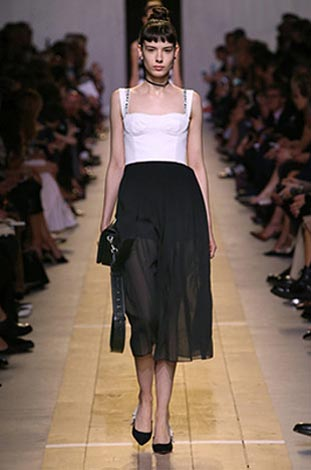 dior-ss17-spring-summer-2017-rtw-20-white-bustier-top-lack-skirt