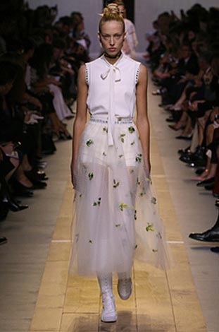dior-ss17-spring-summer-2017-rtw-26-white-bees-embroidery-skirt-top