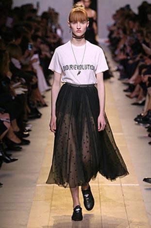 dior-ss17-spring-summer-2017-rtw-47-tee-shirt-black-tulle-skirt