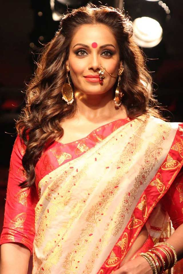 diwali-makeup-indian-party-saree-bipasha-basu-red