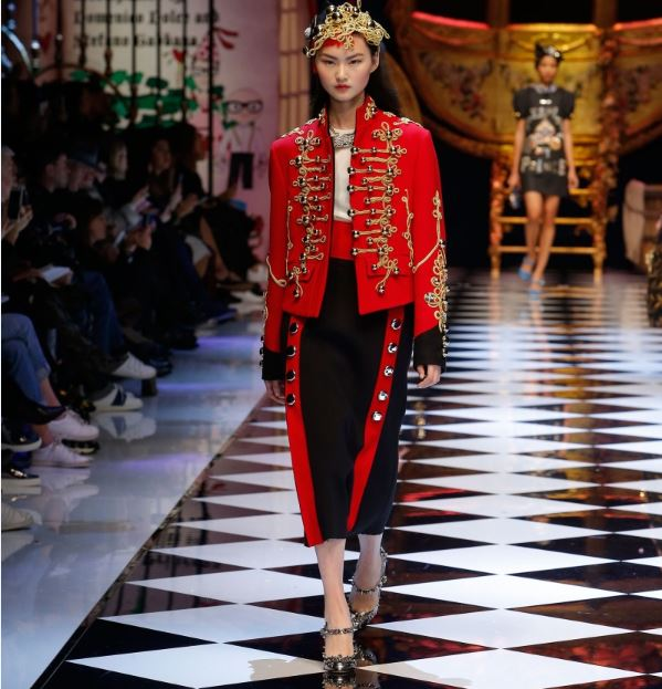dolce-gabbana-red-military-jacket-gold-frogging-dress-fall-winter-2016-latest-trend-fw16