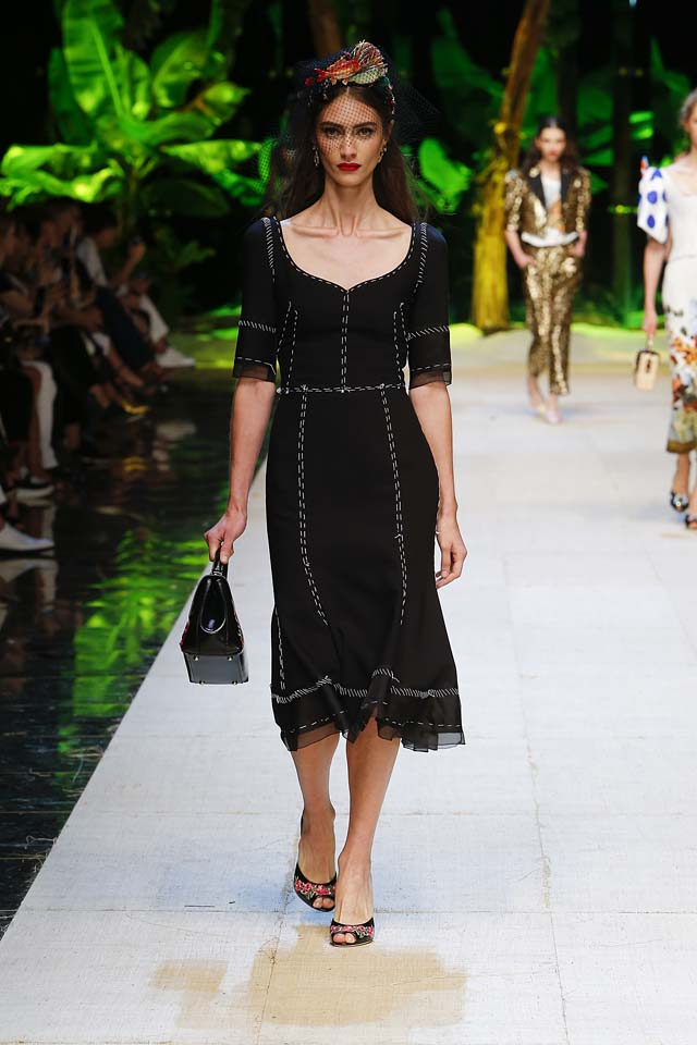 dolce-gabbana-spring-summer-2017-ss17-rtw-27-black-dress-handbag