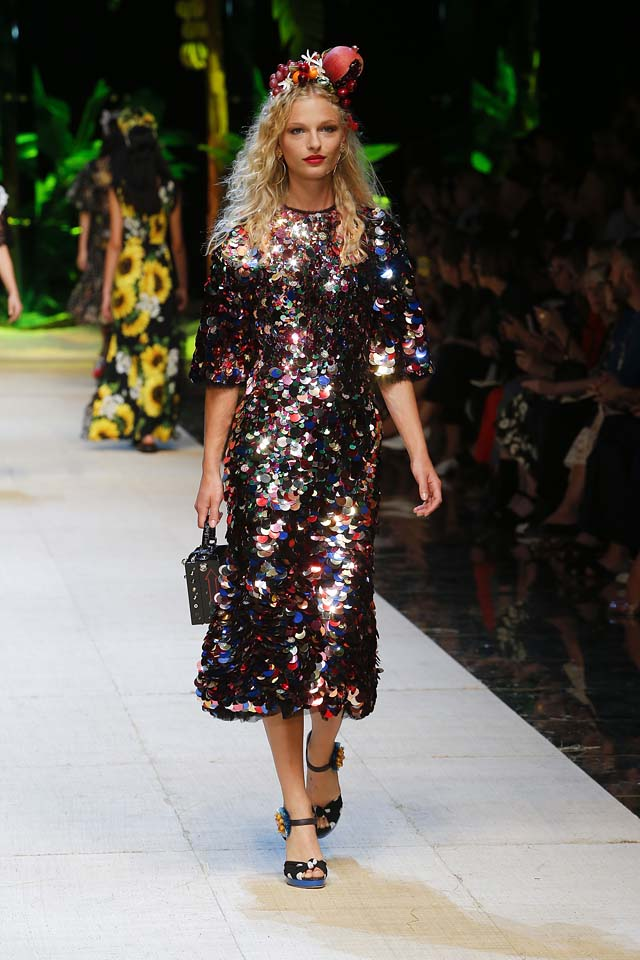 dolce-gabbana-spring-summer-2017-ss17-rtw-34-sequin-midi-dress-fruit-headband-box-handbag