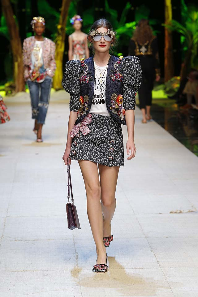 dolce-gabbana-spring-summer-2017-ss17-rtw-56-motifs-jacket-mini-skirt-embllished-sunglasses