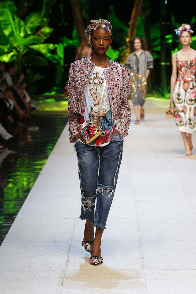 dolce-gabbana-spring-summer-2017-ss17-rtw-57-hair-accessory-stone-studded-jacket-ripped-denim-jeans