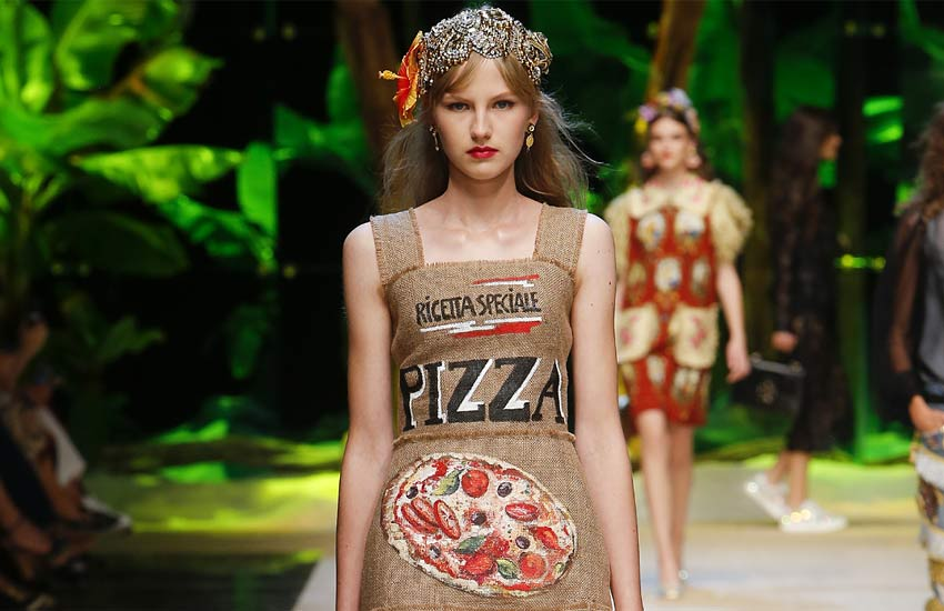 dolce-gabbana-spring-summer-2017-ss17-rtw-pasta-pizza-dress