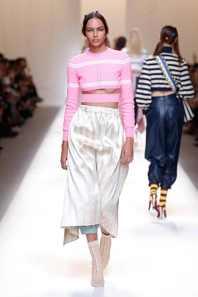 fendi-spring-summer-2016-dress-ss17-11-under-the-boobs-belt-top-booties