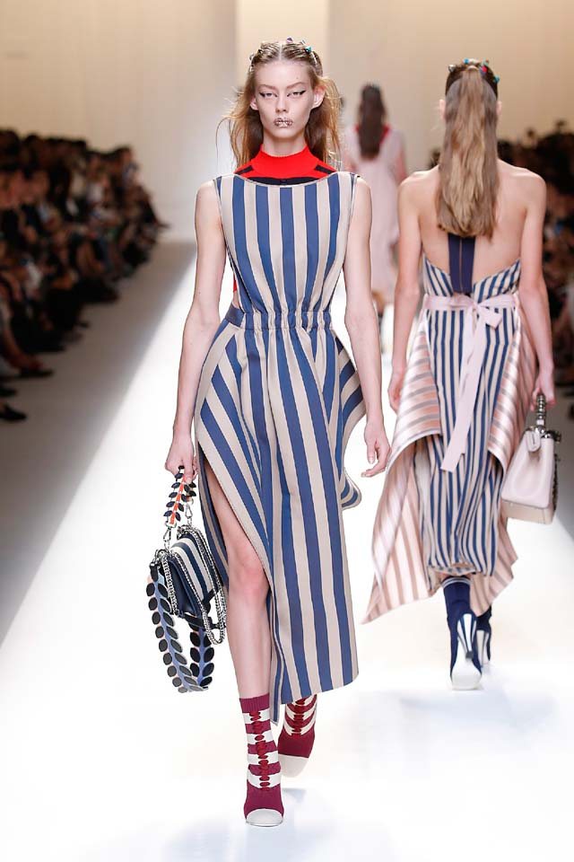 fendi-spring-summer-2016-dress-ss17-19-stripes-slit-maxi-handbag-hair-accessory