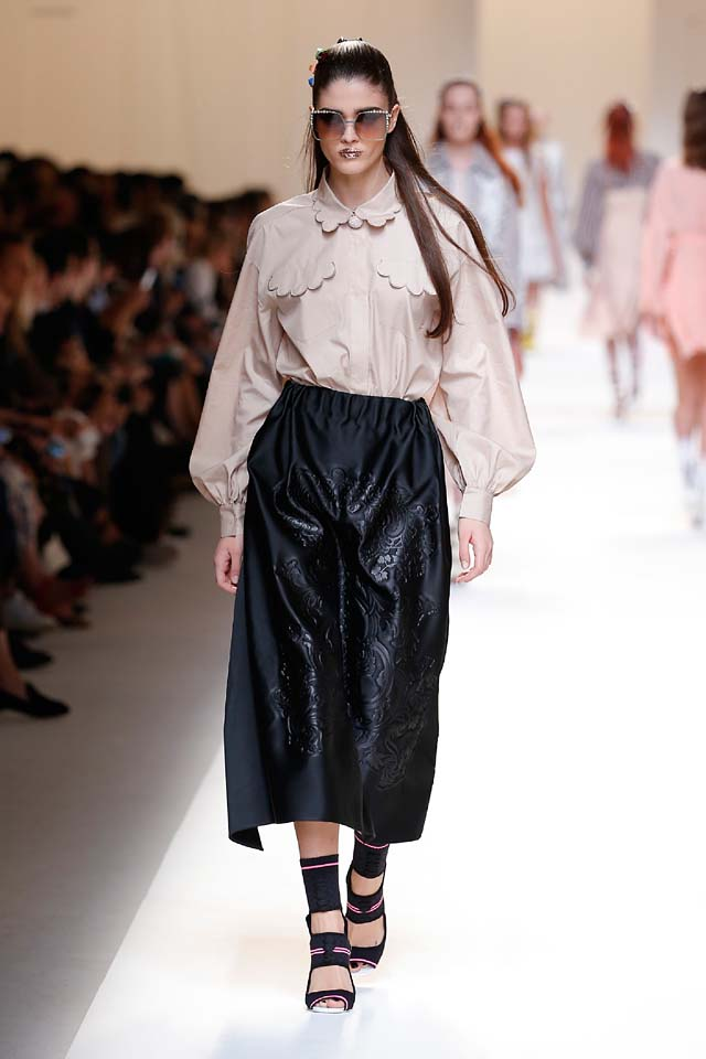 fendi-spring-summer-2016-dress-ss17-26-nude-shirt-black-maxi