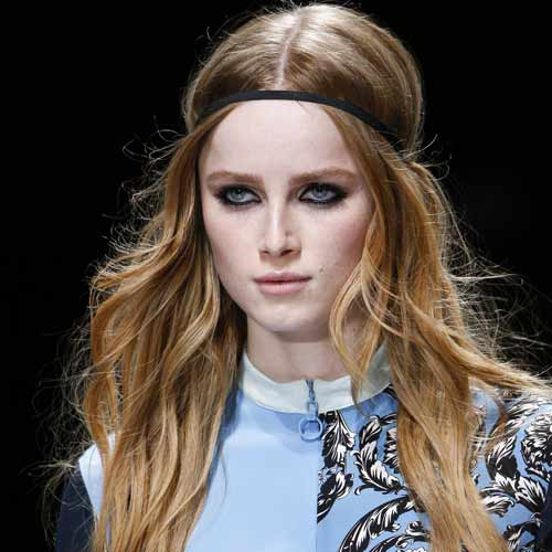 hairstyles-for-fall-2016-centre-part-versace-rtw