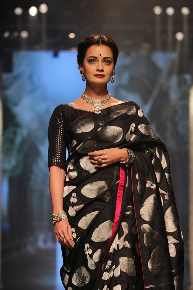 indian-party-makeup-diwali-saree-fashion-dia-mirza-tulsi-silks