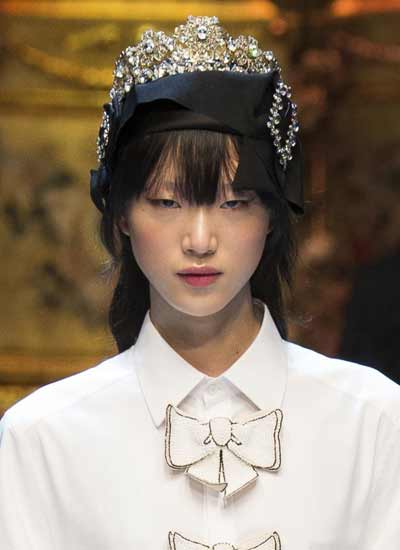 jewelry-fashion-trend-dolce-gabbana-hair-accessories-fall-2016