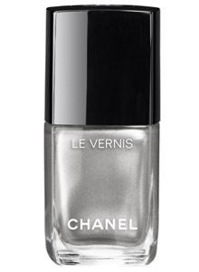 popular-nail-colors-fall-winter-2016-2017-chanel-micro-glitter-silver-shade