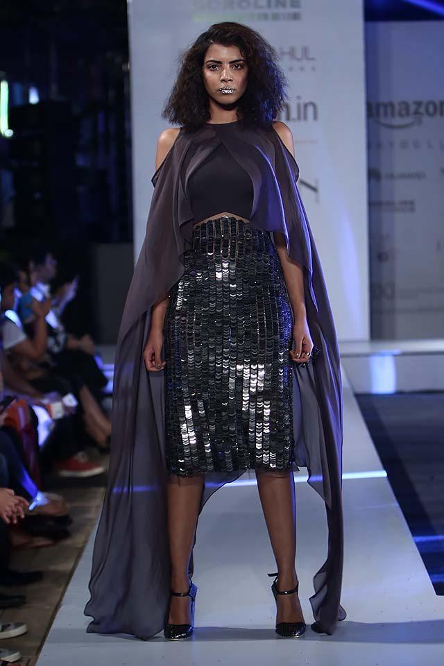 rohit-gandhi-rahul-khanna-ss17-aifw-fashion-week-spring-2017-12-black-knee-length-skirt-dresses-purple-veil