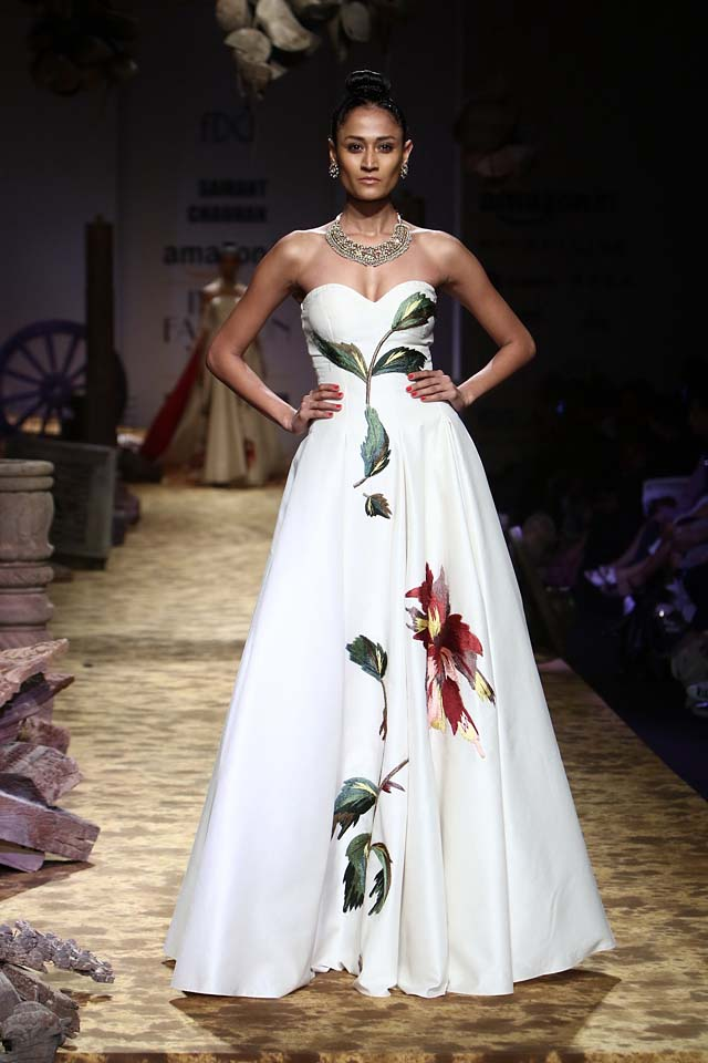 Samant Chauhan Puts a Gorgeous Twist in Bridal Gowns for 2017