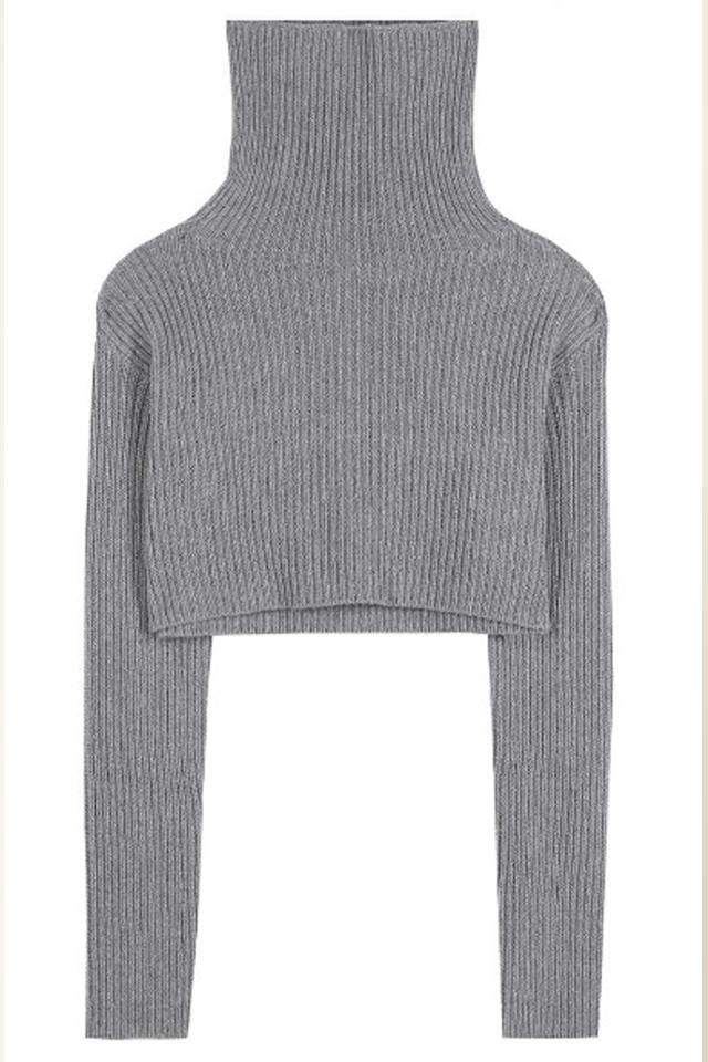 sweater-trends-valentino-grey-crop-winter-2017-women
