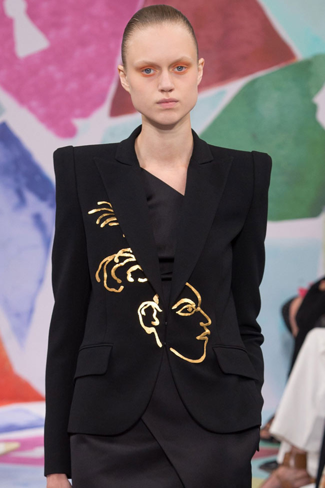 schiaparelli-haute-couture-fall-winter-2016-17-collection-stylish-winter-embellished-coat