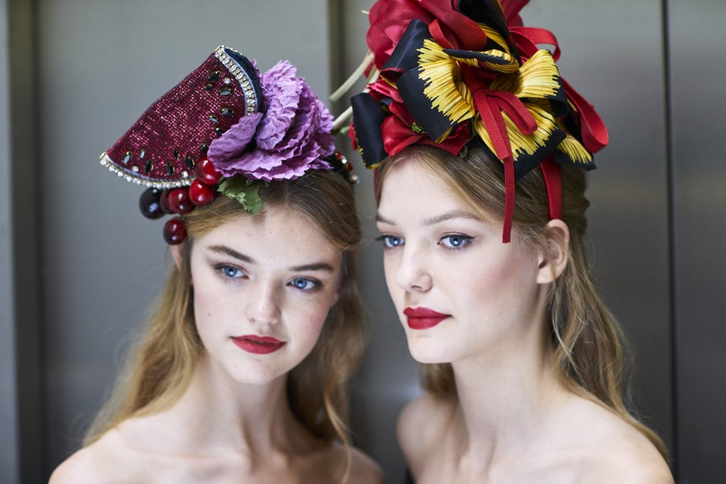 spring-summer-2017-collection-top-beauty-looks-dolce-gabbana-red-lips