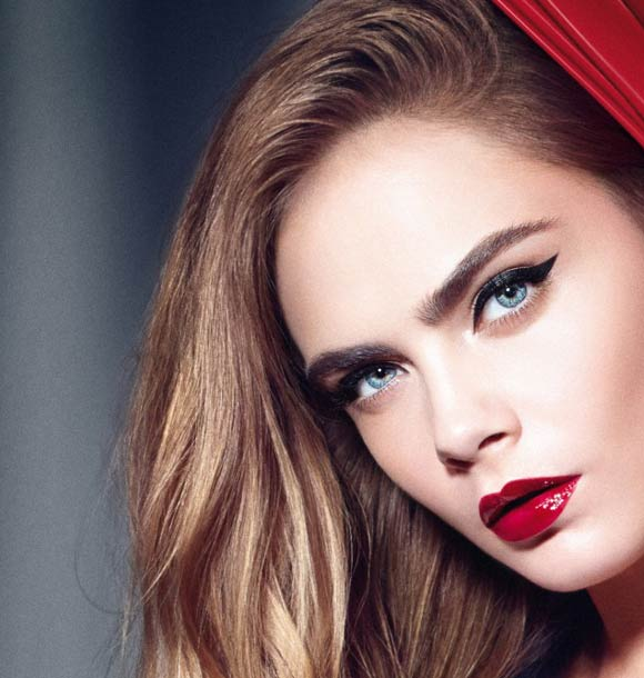 best-makeup-trend-fw16-red-lipstick-bold-color-cara-delevingne-fall-2016