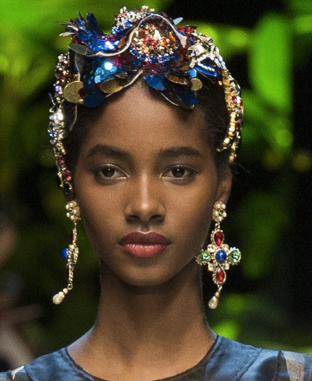 blush-highlights-dolce-gabbana-latest-makeup-trends-spring-summer-fashion-looks