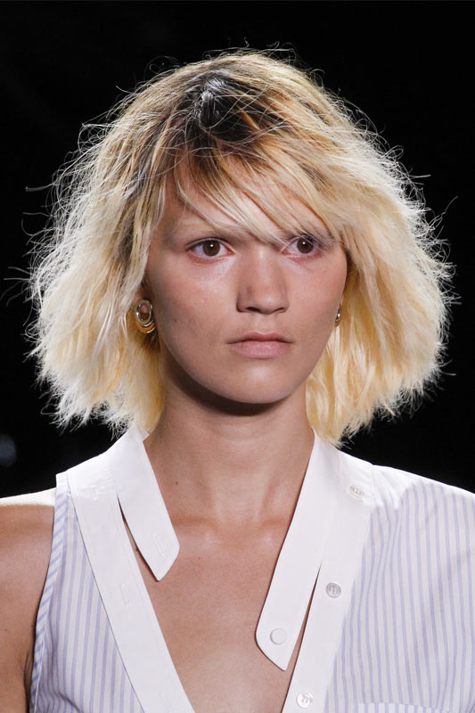 brown-black-dark-roots-hair-color-trend-latest-2017-alexander-wang