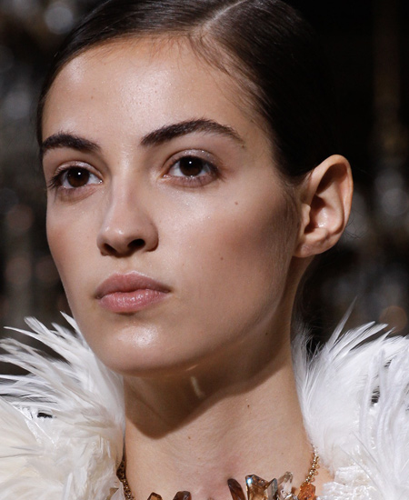contouring-light-fashion-makeup-trends-latest-2017-spring-summer-top-looks-lanvin