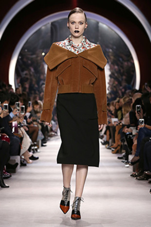dior-fall-2016-winter-2017-fw16-rtw-fashionable-winter-coats-tan-color-jacket