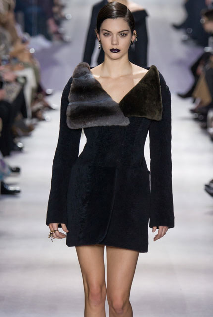 dior-fur-over-sized-collar-coat-kendall-jenner-winter-2017-latest-fashion-trends