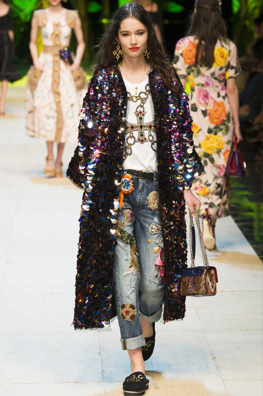 dolce-gabbana-embellished-patchwork-jeans-ss16-collection-trends-denim-fashion