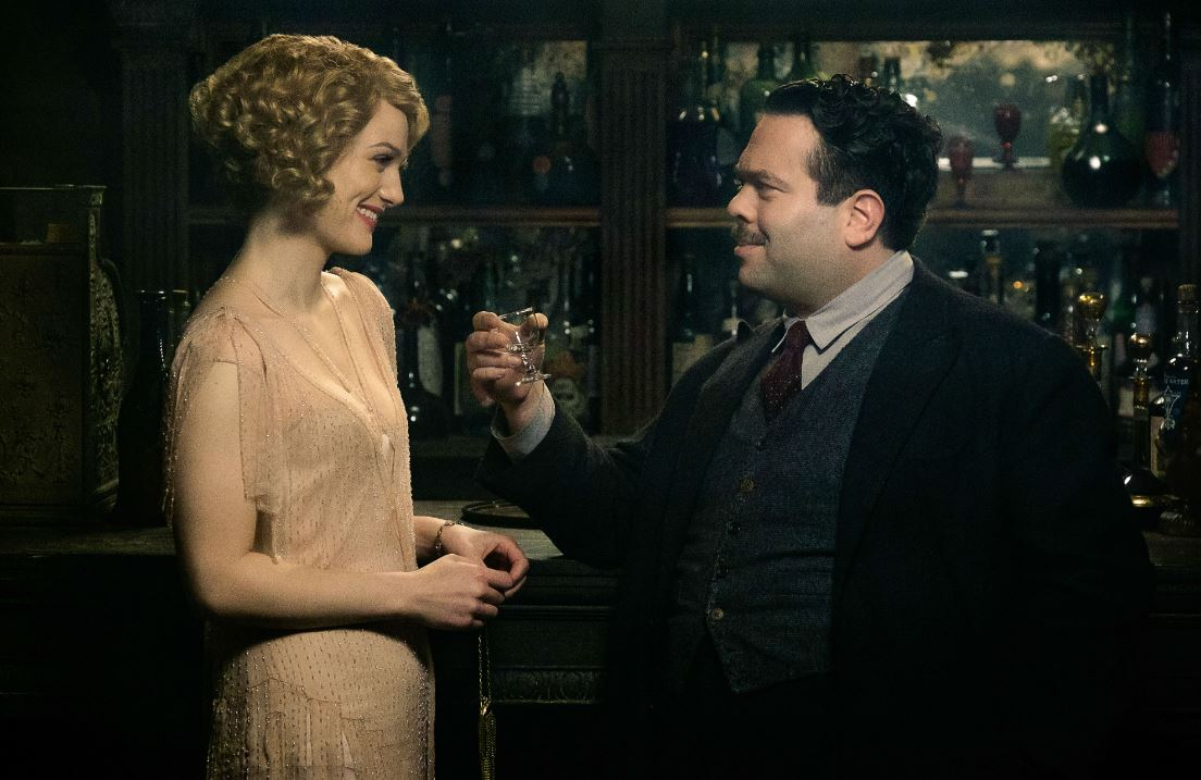 fantastic-beasts-and-where-to-find-them-jacob-scene-dress