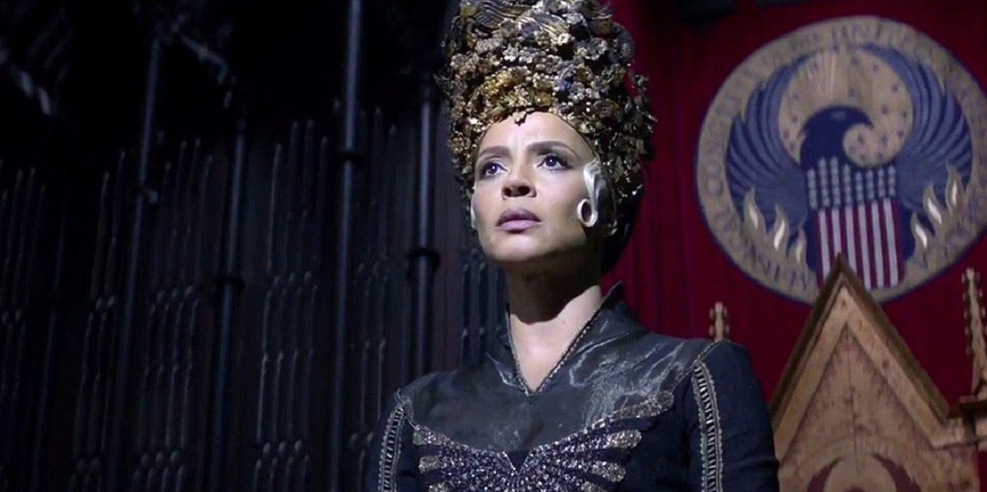 fantastic-beasts-and-where-to-find-them-seraphina-piquery-macusa-president-dress