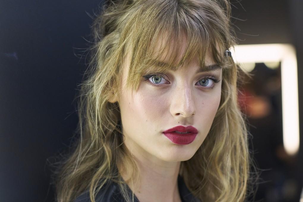 hair-makeup-looks-best-ss17-collection-red-lipstick-dolce-gabbana