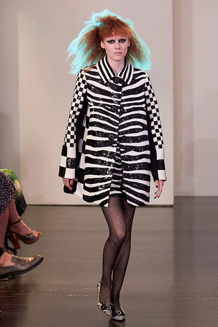 latest-coat-trends-marc-jacobs-2017-collection-pattern-dress-outfits