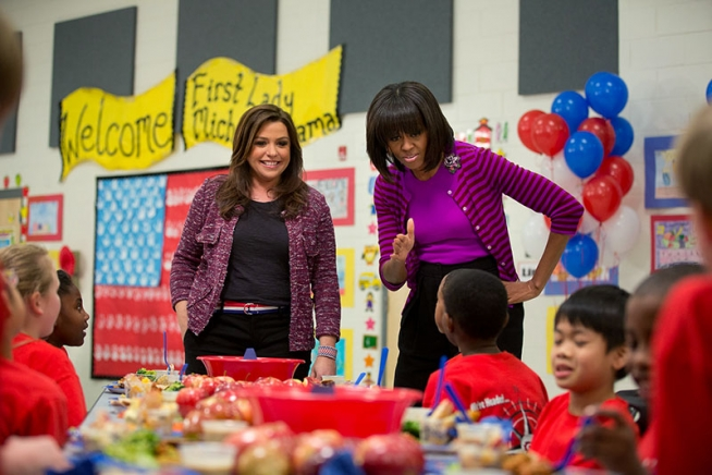 michelle-obama-style-fashion-dress-school-kids-old-picture